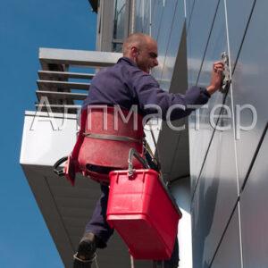 Почистване на фасада от ETALBOND