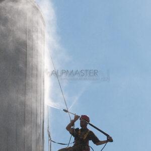 Почистване на фасада чрез хидроструене