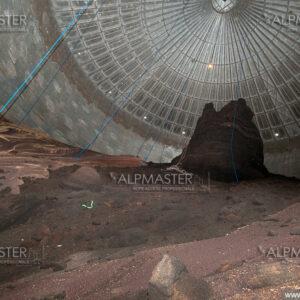 Работа във вътрешността на силоз за рапица 10000 t на територията на Олива АД, гр. Оряхово