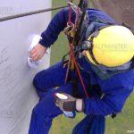 Почистване на ветрогенератор чрез въжен достъп