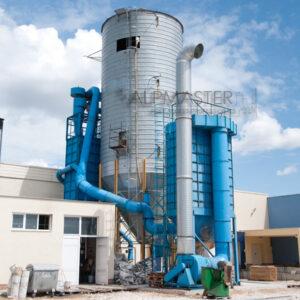 Метален силоз за съхранение на стърготини в завода на Булсар ООД, с. Маноле