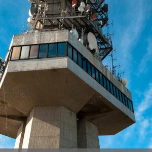 Телевизионната кула на Копитото по време на ремонта